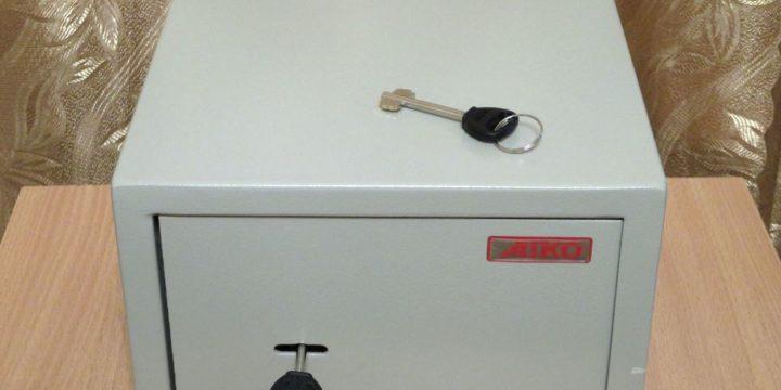Как открыть сейф AIKO?